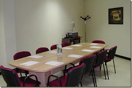 mesas de reuniones para oficinas10