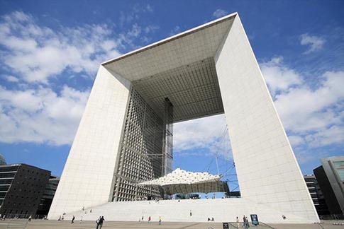57. Grande Arche de la Défense (París, Francia)