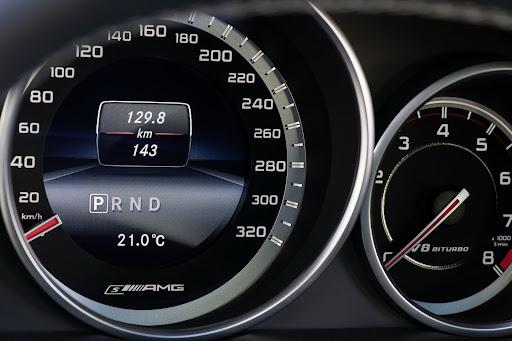 Mercedes-Benz-E-63-AMG-28.jpg