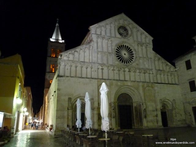 catedral-de-zadar-por-la-noche.JPG