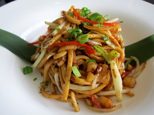 The Home Beckons: Wok-fried Fish Noodles with Seafood in X.O. Sauce