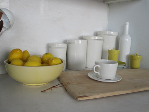 A pretty, citrus-y countertop array.