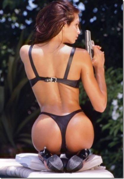 hot-women-guns-1