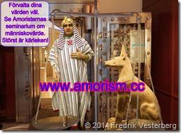 DSC04564 Kassasvalvsdörr ännu bättre_redigerad-2 med farao Fredrik Vesterberg och Anubis_redigerad-1 med amorism