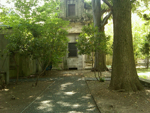Here, on location in Yonkers, New York, at Alder Manor, for our shoot.