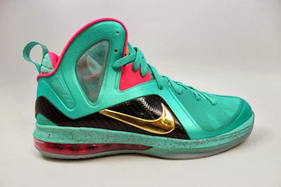 nike lebron 9 ps elite statue of liberty pe 5 07 It Takes $12,900 To Own Two Pairs of Rare LeBron 9 PS Elite PEs