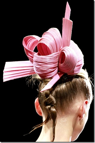 Armani Privé Fall 2011 X Philip Treacy (5)