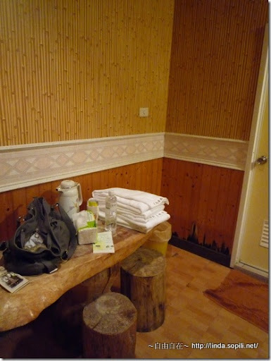 司馬庫斯部落-小蜜桃2-木頭桌