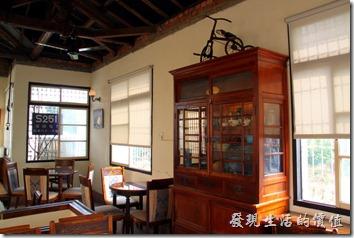 台南-鹿角枝老房子咖啡。鹿角枝咖啡館二樓的景象。