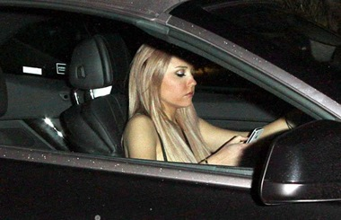 amanda-bynes-texting-parking-a-week-after-dui-arrest