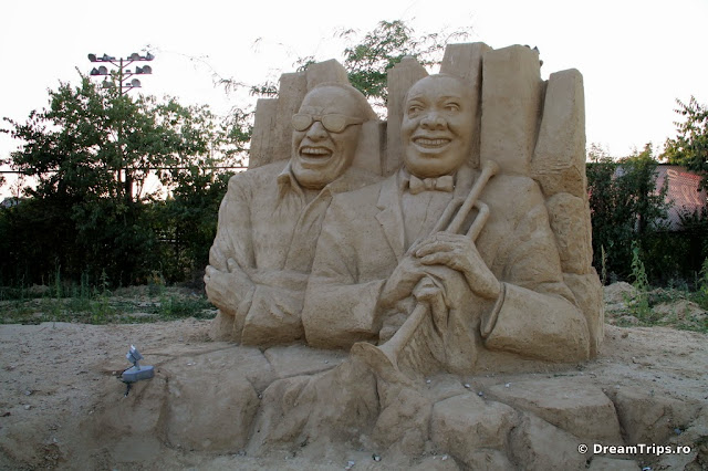 sculpturi nisip Burgas Ray Charles & Louis Armstrong.JPG