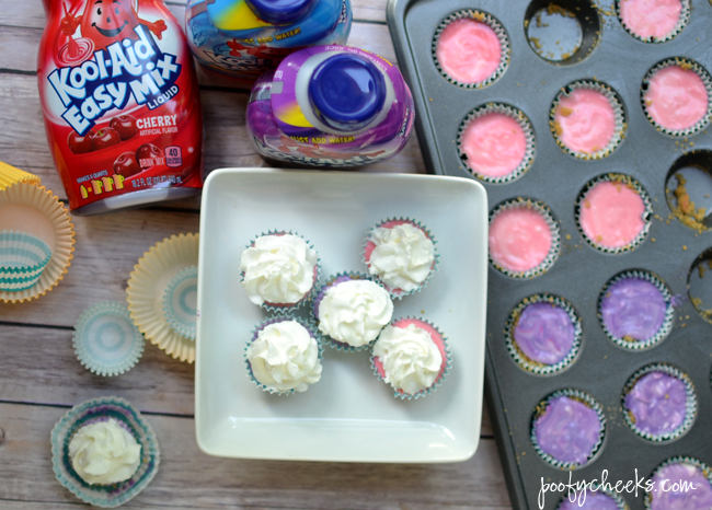 No Bake Kool-Aid Mini Pies Recipe - #PourMoreFun www.poofycheeks.com