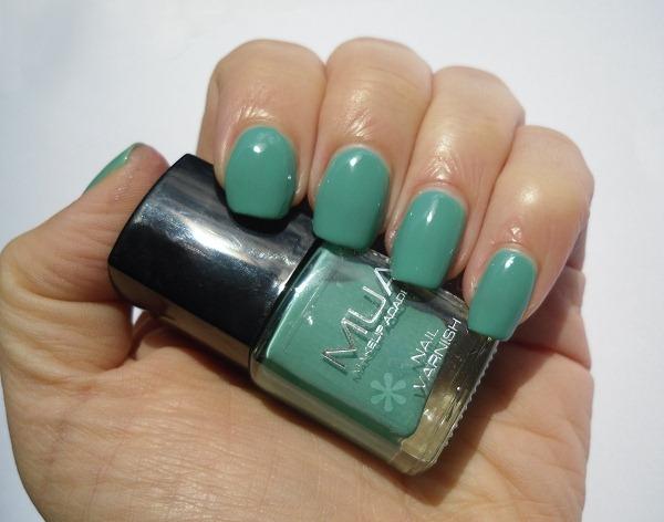 02-mua-makeup-academy-shade-5-nail-polish-review