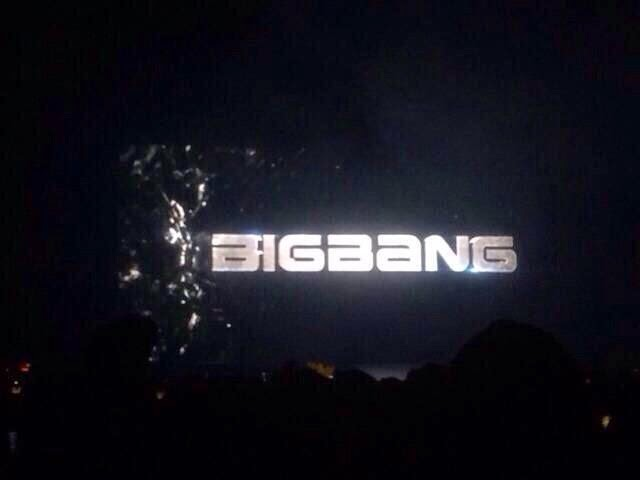 Big Bang - YG Family Power Tour 2014 in Osaka - 12apr2014 - Fan - 1.jpg