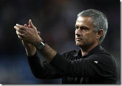 mourinho aplaudiendo