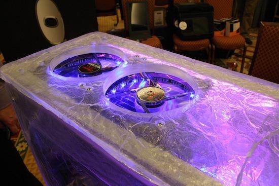 Bekas CPU yang dimodifikasi daripada ais