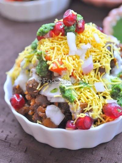 Foodelicious- Heeng Vaale Kaale Chane Ki Chaat