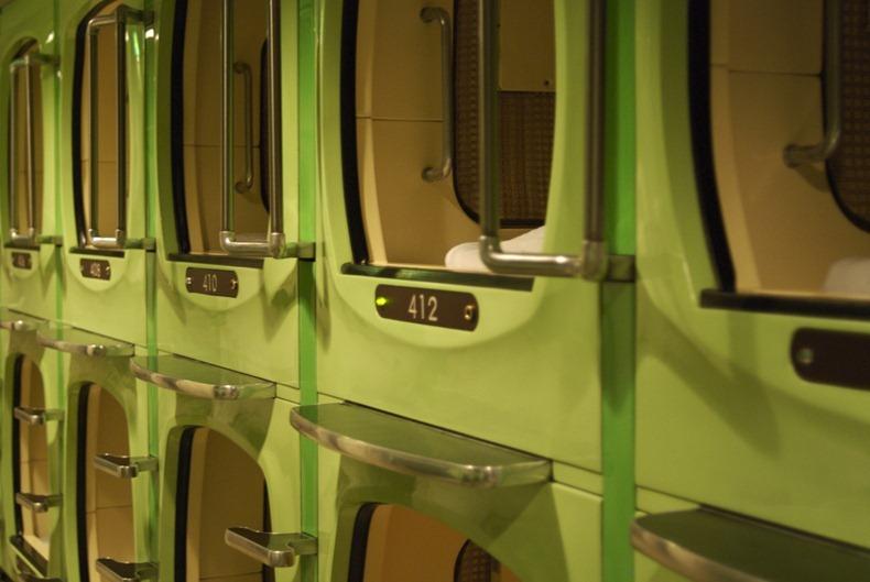 capsule-hotel-10