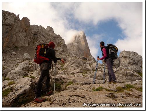 Via Directa de Los Martinez 250m D- V- (Picu Urriellu, Picos de Europa) (Omar) 0853