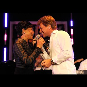 Bettye LaVette and Jon Bon Jovi perform at 2011 Apollo in the Hamptons 2