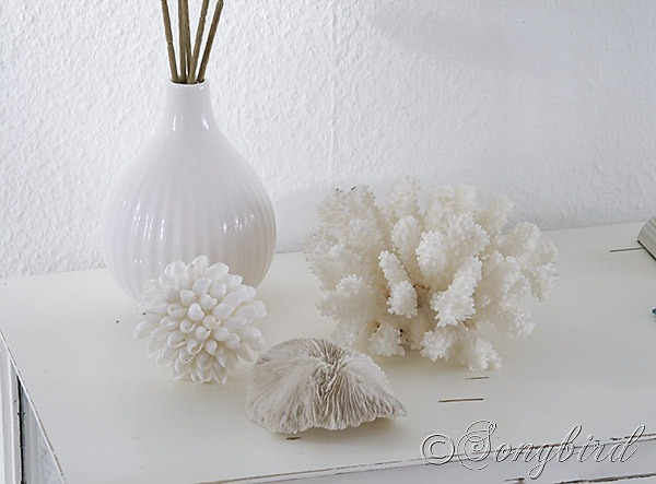 Songbird white decoration 2