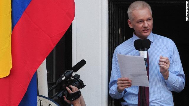 Όσα πρέπει να ξέρετε για την έγκριση πολιτικού ασύλου στον Assange