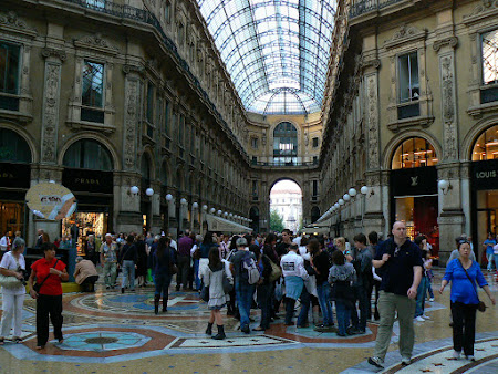 Things to do in Milan: visit The Vittorio Emanuele Galleries
