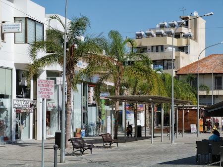 Imagini Cipru: Statie autobuz din Larnaca