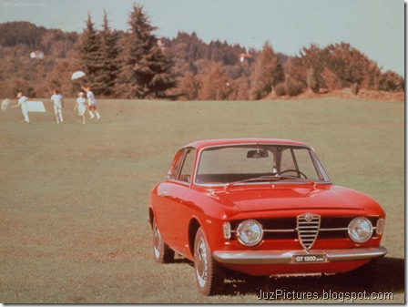 Alfa Romeo Giulia Coupe 1300 GT Junior 2