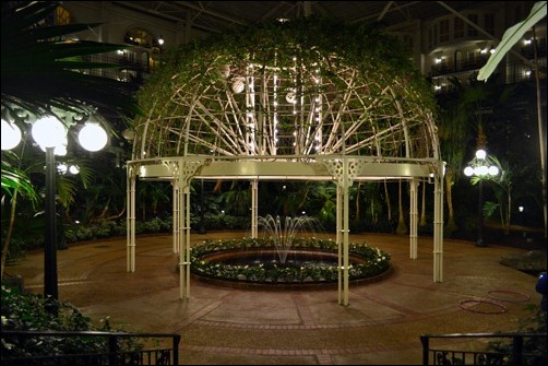 Opryland at night5