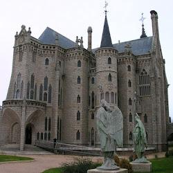 13.- Gaudí. Palacio Episcopal de Astorga
