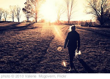 'walk away.' photo (c) 2010, Valerie  Mcgovern - license: http://creativecommons.org/licenses/by-nd/2.0/