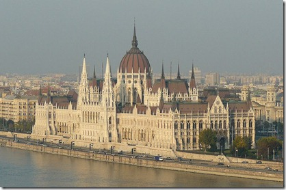 gedung parlemen budapest
