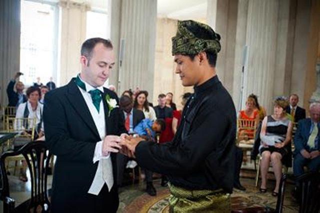 Pelajar malaysia kahwin lelaki gay
