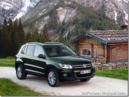 Volkswagen-Tiguan_2012_800x600_wallpaper_0b