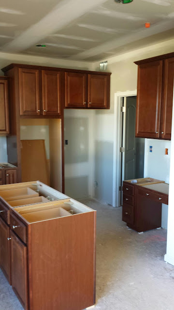 Building our Covington by D.R. Horton: Day 61 - Cabinets ...