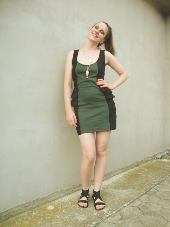 summer OOTD green black peplum dress