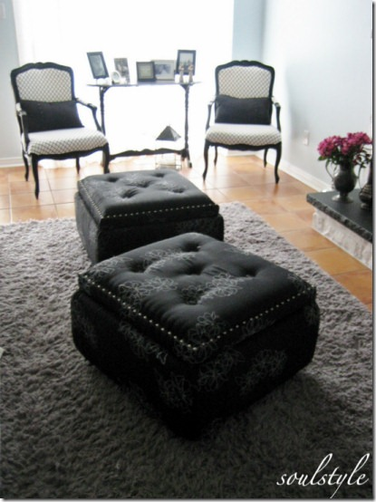 Make your own storage ottomans with tufting, nailhead trim and castors, from Soulstyle blog