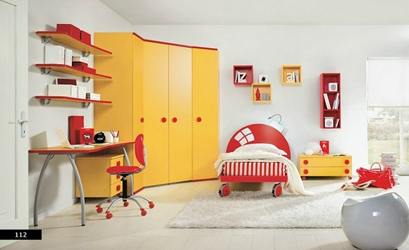 primary-colors-in-kids-rooms.jpg