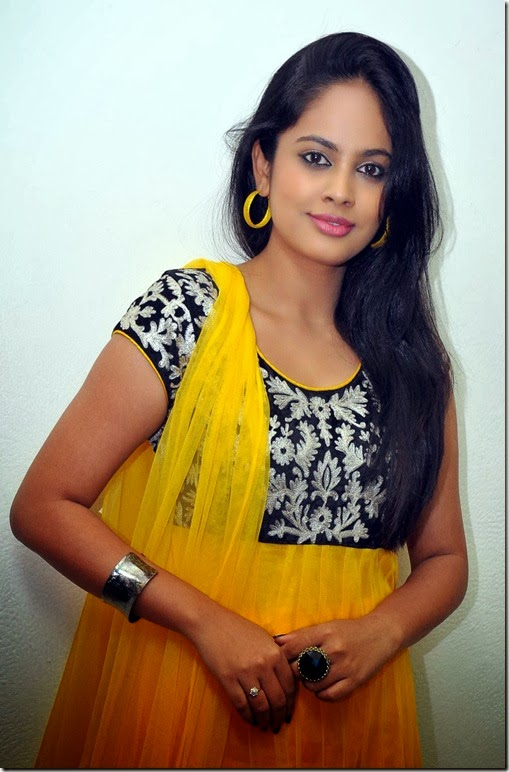 Nanditha_cute_photo