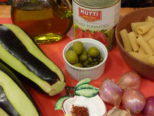 Ingredients for rigatoni with spicy eggplant sauce.
