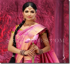 Parvathy_Omanakuttan_Designer_Sareess