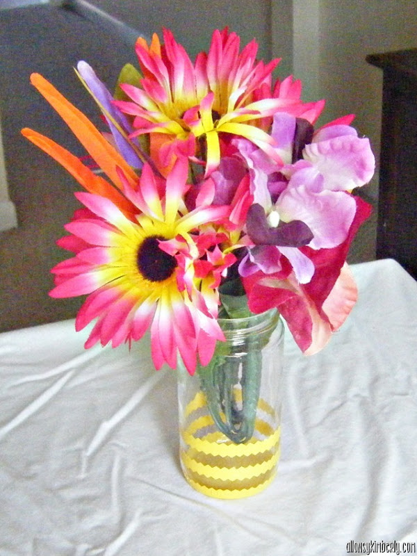 Make Your Own Patterned Vases | allonsykimberly.com