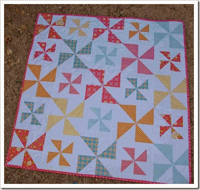Pinwheel table cover