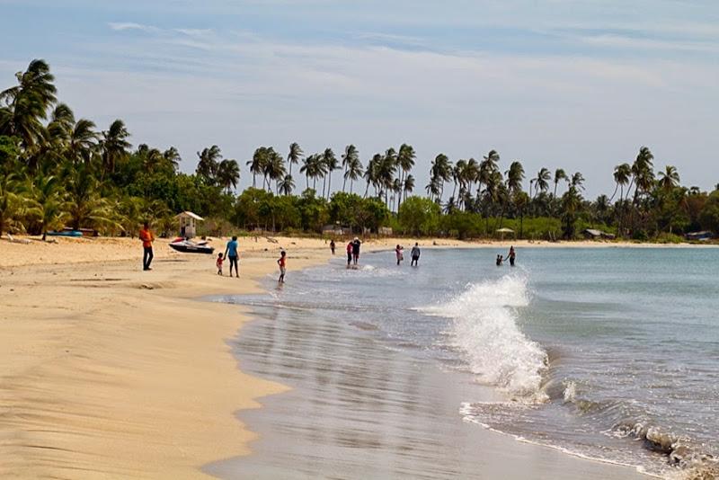 Trinco Beach3