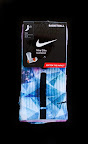 nike basketball elite lebron socks prism 1 02 Matching Nike Basketball Elite Socks for LeBron 9 Miami Vice