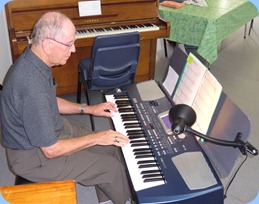 John Beales played his Korg Pa500 for the arrival music.