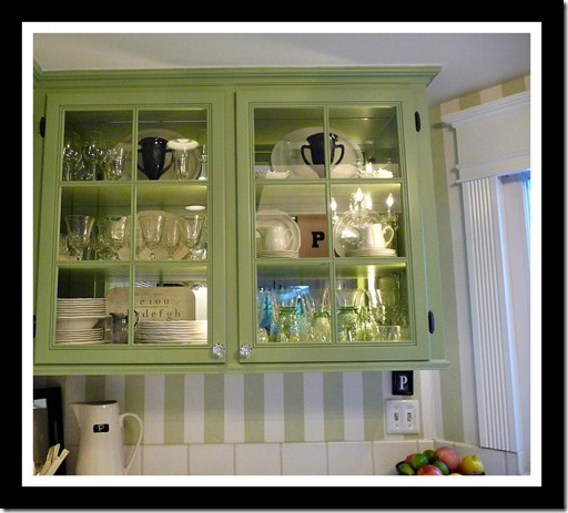 Kitchen tour glass door cabinets 017 (1024x768)