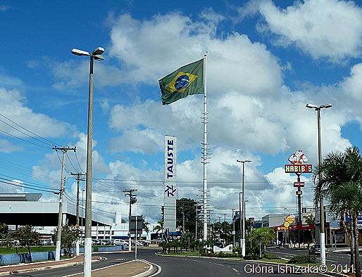 1 - Glória Ishizaka - Marília - Bandeira do Brasil perto do Tauste