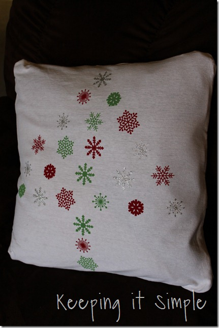 Christmas snowflake pillow (2)